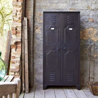 Optez pour un style industriel avec des meubles en metal