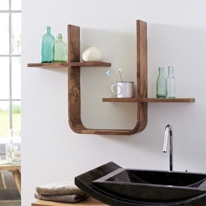 Une étagère originale en bois naturel pour ma salle de bain