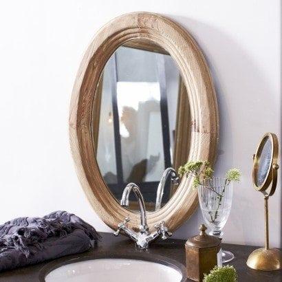 Un miroir original en pin parfait pour votre salon ou votre chambre