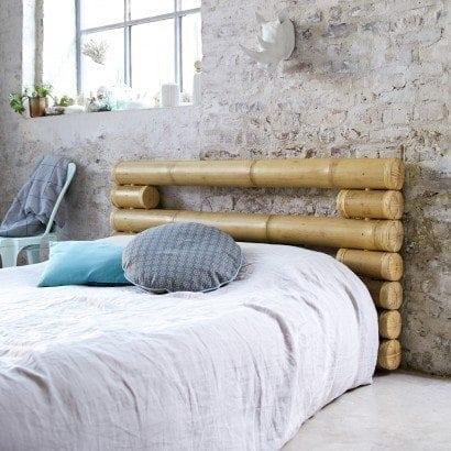 Un style asiatique avec une tête de lit en bambou