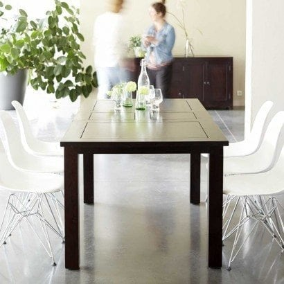 Découvrez nos tables à manger en bois d'acajou